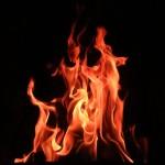 घरमा लागेको आगो निभेपछी मात्र पुग्यो नगरपालिकाको दमकल