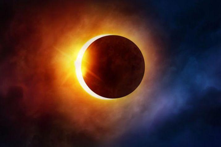 आज विहीबार बिहान खण्डग्रास सूर्यग्रहण